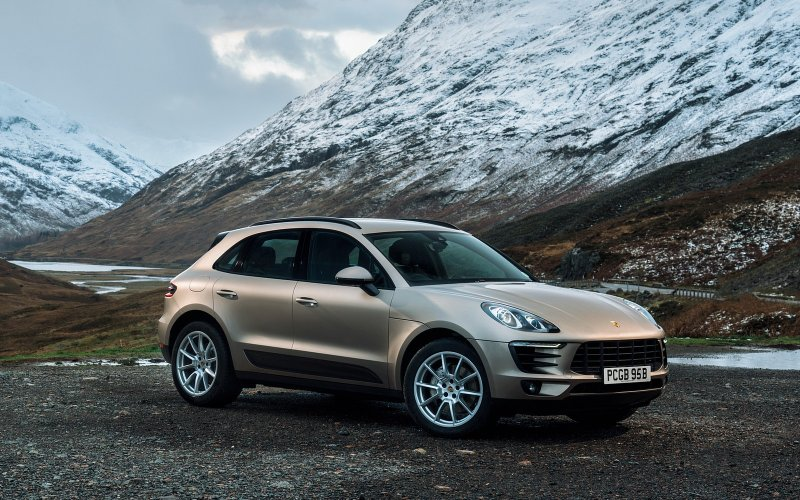 operativn leasing porsche macan 2 0 pdk. Black Bedroom Furniture Sets. Home Design Ideas